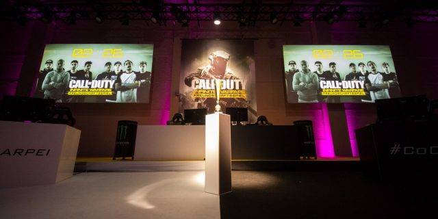 CoD:IW - #CoDFreundschaftsspiel Hans Sarpei vs. Eko Fresh – and the Winner is…