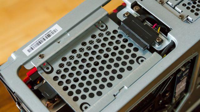 Auch eine herkömmliche SSD findet noch Platz im MSI Nightblade MI3